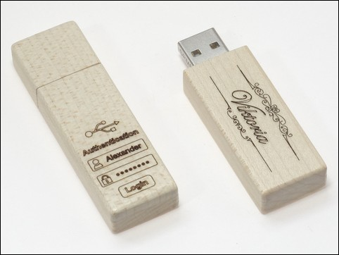 Holz USB-Stick 'Woody' in Ahorn