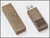 Holz USB-Stick 'Woody' in Nussbaum